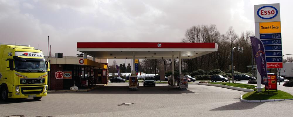 001 in Herzlich willkommen...